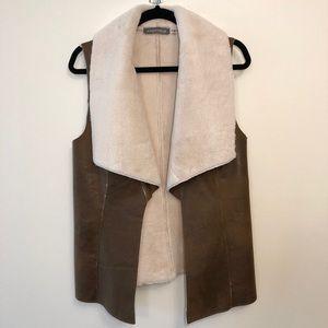 Bagetelle Faux Leather and Fur Drape Vest Small